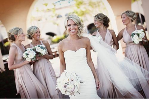 Прическа на свадьбу для подружки невесты пошагово