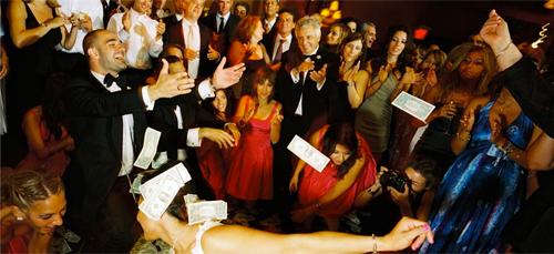Money-wedding-toss